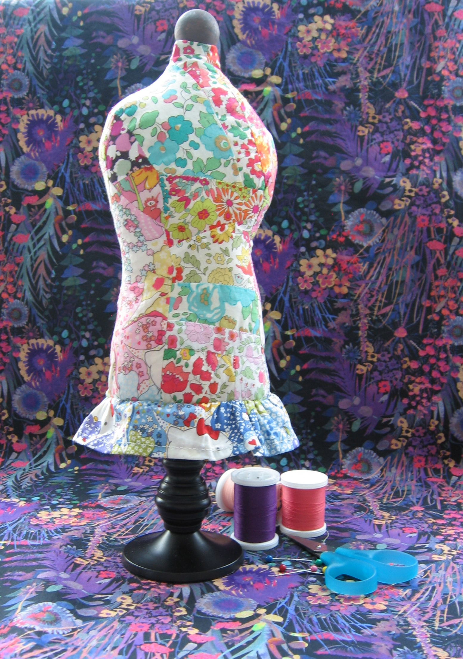 Liberty Fabric S Mannequin Pin