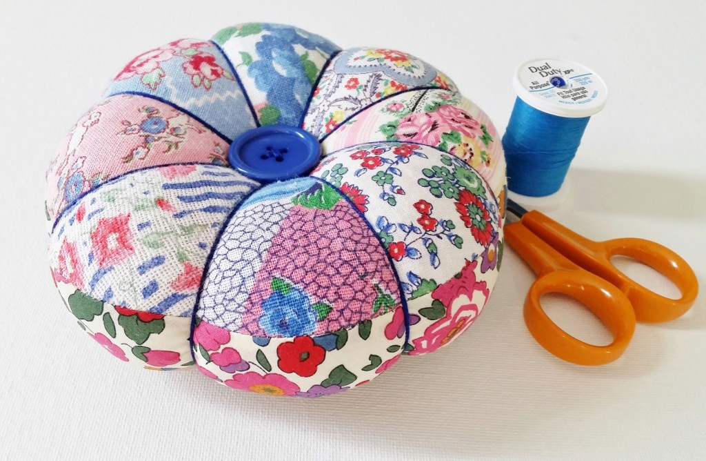DIY Pincushion Tutorial With Free Pattern | Mad For Fabric